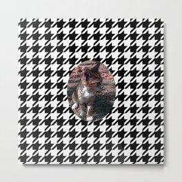 KITTEN ON A HOUNDSTOOTH PATTERN Metal Print