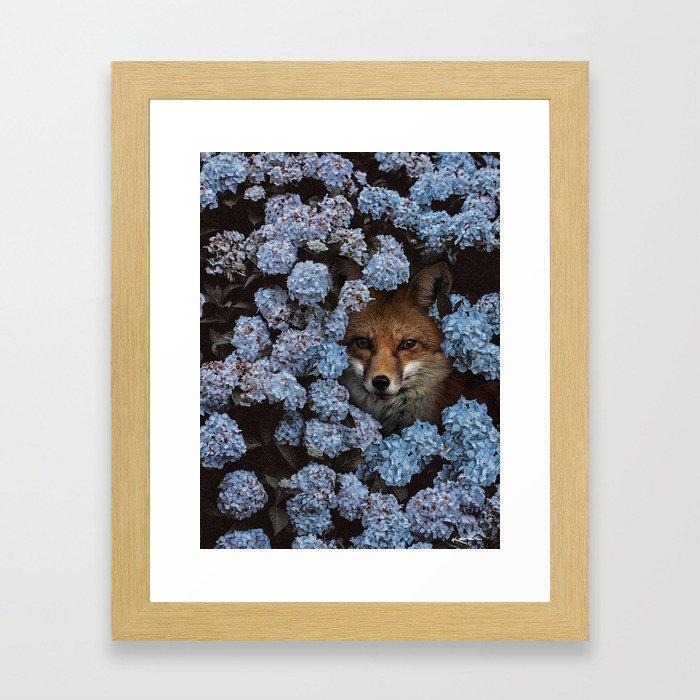gaps and silences Framed Art Print