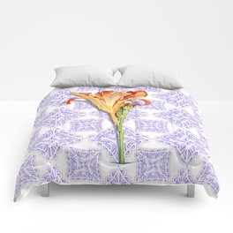 Daylily Lace Comforters