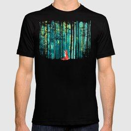 Fox in quiet forest T-Shirt