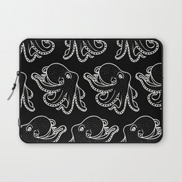 Octopus in White Laptop Sleeve