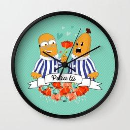 Para Tú B1 Wall Clock