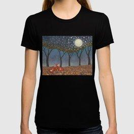 sleepy foxes T-shirt