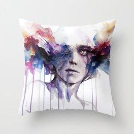 l'assenza Throw Pillow