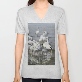 Les Oies Blanches : Kécéça ? - The White Geese : What's this? Unisex V-Neck