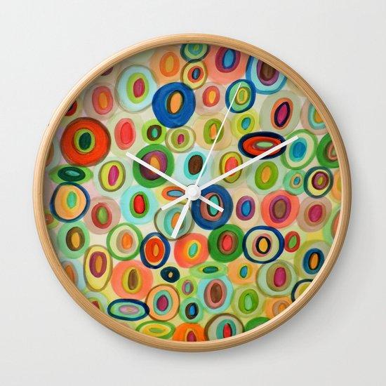 les curieux Wall Clock