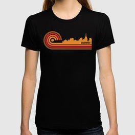 Retro Style Davenport Iowa Skyline T-shirt
