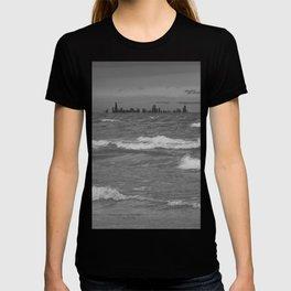 Windy City Skyline bw T-shirt