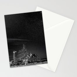 Neverwinter - Abandoned House Under Starry Night Sky in Black and White Stationery Cards