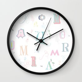 Letras imperfectas Wall Clock