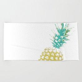 Pinnaple delight Beach Towel