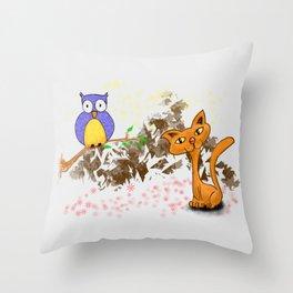gufo e gatto 1 Throw Pillow