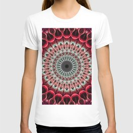 Mandala in red and light green tones T-shirt