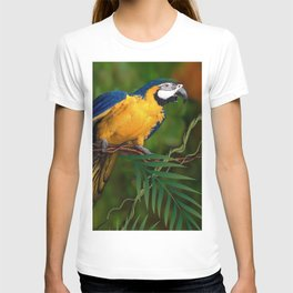 BLUE-GOLD MACAW PARROT IN JUNGLE T-shirt