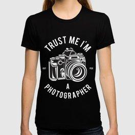Trust Me I'm A Photographer T-shirt