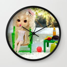 * Magdaleine and the ice cream * Wall Clock