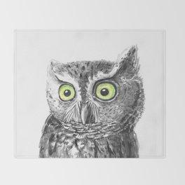 Owl portrait Throw Blanket