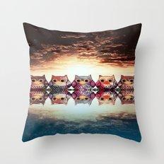owl-203 Throw Pillow