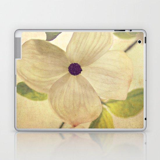 dogwood closeup Laptop & iPad Skin
