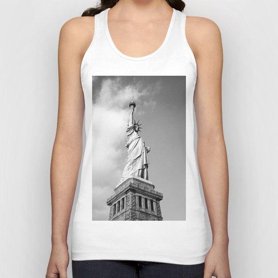 statue of liberty 4 black white Unisex Tank Top