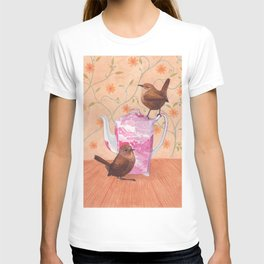 wrens on teapot T-shirt