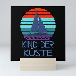 Kind der Küste Nordsee Meer vintage Mini Art Print