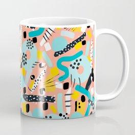 CIRCLES IN MOTION - peach/ yellow/ mint Coffee Mug