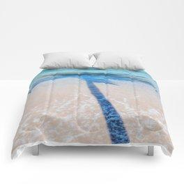 TREE IN SEA Comforters