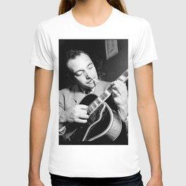 Django Reinhardt at the Aquarium Jazz Club T-shirt