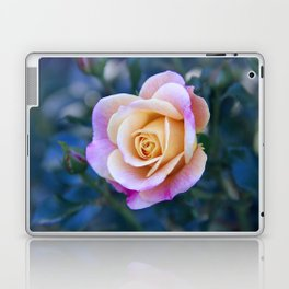 flower.2 Laptop & iPad Skin
