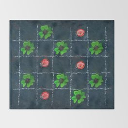 Clover and ladybugs tic-tac-toe pattern Throw Blanket
