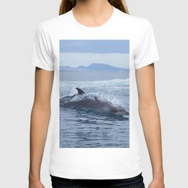 Dolphin: love for waves, love for life T-shirt