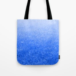Light-to-Dark Blue Ombre Gradient Grass Tote Bag
