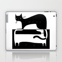 BLACK & WHITE 2 Laptop & iPad Skin
