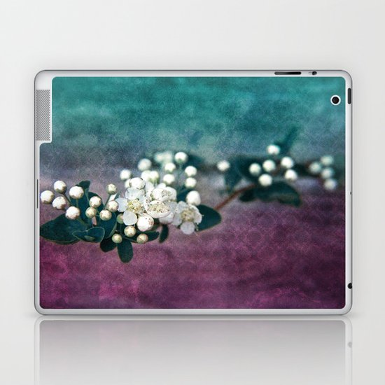 GARDEN TREASURY Laptop & iPad Skin