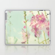 The Breeze Washes Over Me Laptop & iPad Skin