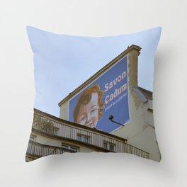 savon cadum Throw Pillow