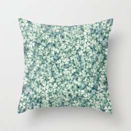 Clover shamrock leaf art, green leaves pattern Throw Pillow