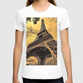 Eiffel Tower - Paris, France T-shirt