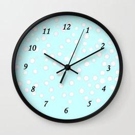 Neige du matin Wall Clock