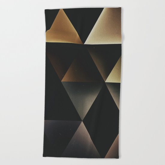 dyrk cyrnyrs Beach Towel