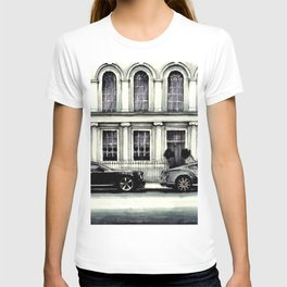 THE STREET OF LONDON IN GREYS T-shirt