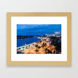 Paisaje nocturno del puerto de maó Framed Art Print