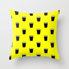 pint of beer pattern Throw Pillow