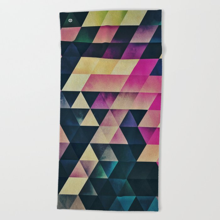 dynt cyre Beach Towel