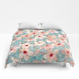 Shabby Chic Hibiscus Patchwork Pattern in Peach & Mint Comforters