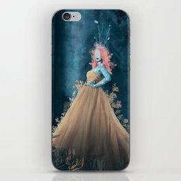 lelia iPhone Skin