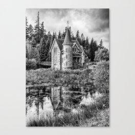 Adverikie Gatelodge black and white Canvas Print