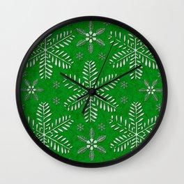 DP044-12 Silver snowflakes on green Wall Clock