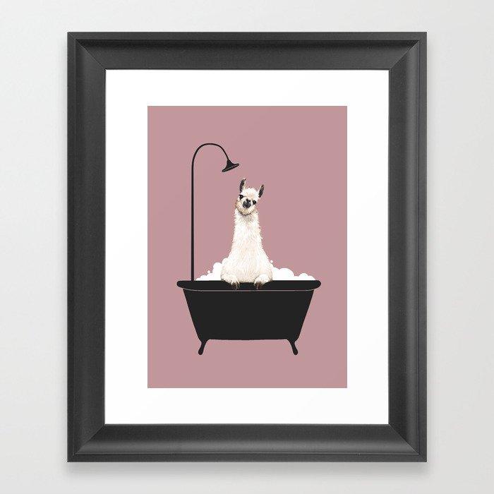 Llama in Bathtub Gerahmter Kunstdruck